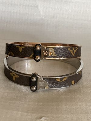 New stainless steel bracelets for Sale in Deltona, FL