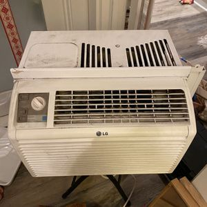LG window air conditioning unit for Sale in Culver City, CA