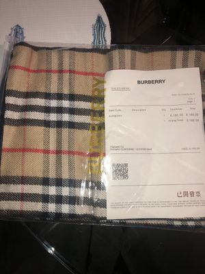 BURBERRY Scarf for Sale in Covina, CA