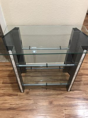 Tv stand glass with shelves. for Sale in Las Vegas, NV