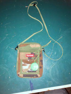 Supreme Shoulder Bag Authentic for Sale in Swansea, IL
