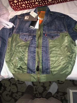 Levi's MA-1 Hybrid Trucker Thermore Parka Jacket for Sale in Highland, CA