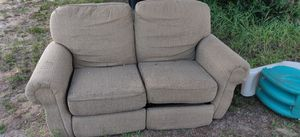 Free loveseat couch recliner for Sale in Lake Wales, FL
