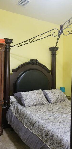 Coaster Grand Prado Upholstered Bedroom Set for Sale in Miami, FL