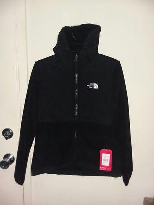 Women's North face Denali hoodie fleece jacket xl for Sale in Gaithersburg, MD
