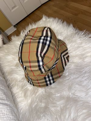 Burberry Bucket Hat Size Small for Sale in Wesley Chapel, FL