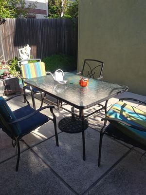 4 CHAIRS PATIO SET for Sale in Santa Ana, CA