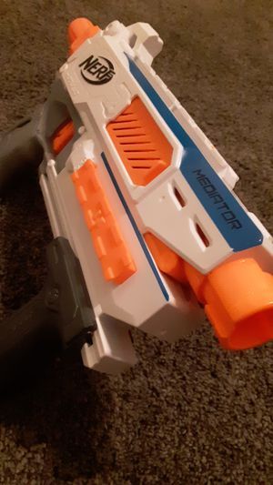 Nerf gun with 12 round magazine for Sale in Litchfield Park, AZ
