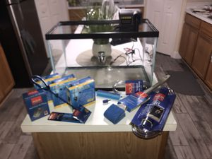 10 Gallon Aquarium with Extras for Sale in Kissimmee, FL