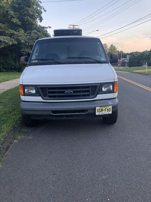 Ford E350 Refrigerated Van for Sale in Hamden, CT