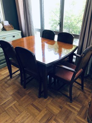 Antique Red Mahoney Dining table for Sale in West Hollywood, CA