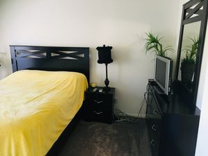 Beautiful Queen bedroom set for Sale in La Costa, CA