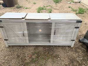 Entertainment center/tv stand for Sale in Glendale, AZ