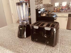 Black Blender + Toaster 4 slice for Sale in Las Vegas, NV