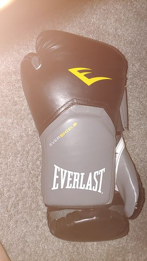 Boxing gloves for Sale in Sacramento, CA