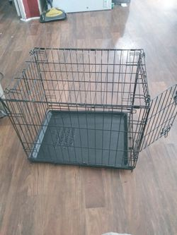 18in By 24in Dog Crate for Sale in Silver Springs,  FL