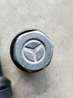Mercedes GLC 300 Wheel Locks for Sale in Tacoma,  WA