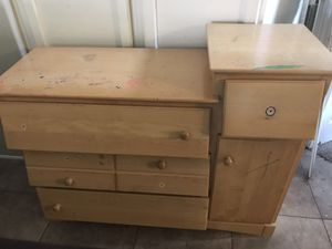 Diaper changing table dresser for Sale in Rancho Santa Margarita, CA