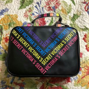 New Victoria's Secret travel cosmetic case bag limited edition for Sale in Brea, CA