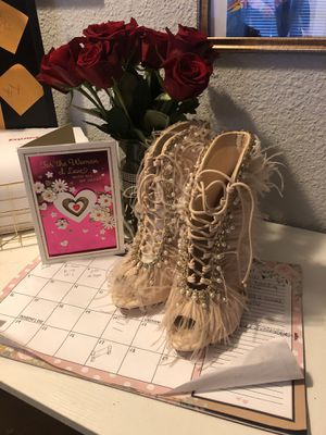 Jubilee high heel boot with gold and pearls and fringes for Sale in Dallas, TX