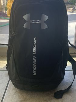 UNDER ARMOUR UA HUSTLE 3.0 BACKPACK for Sale in Laveen Village,  AZ