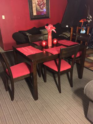 Dining room set for Sale in Raleigh, NC
