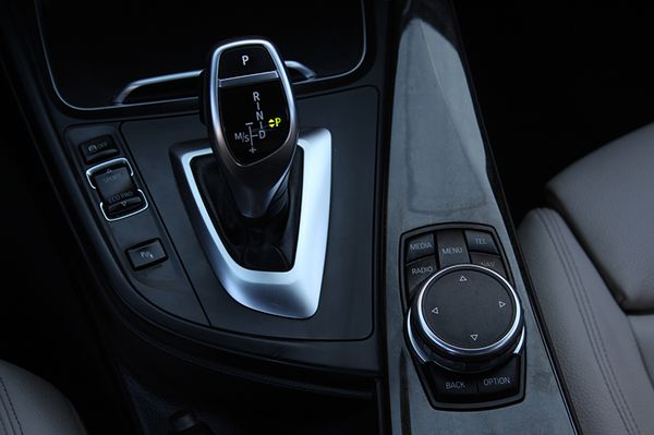 2016 BMW 328i M-SPORT
