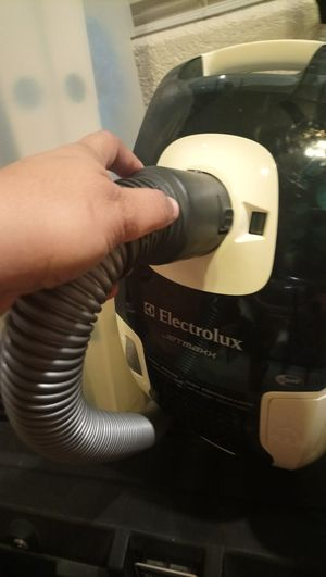 Electrolux canister vacuum cleaner for Sale in Lynwood, CA
