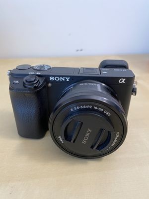 SONY a6300 Camera w/Power Zoom Lens Kit for Sale in Plainfield, IL