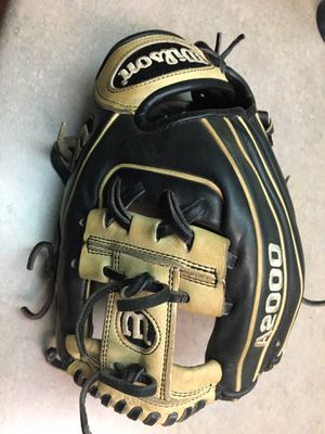 "Wilson A2000 11 1/2"" Pro Stock 1786 baseball softball glove for Sale in Fresno, CA"