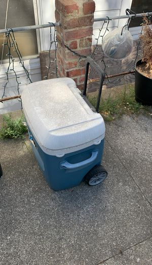 Igloo cooler on wheels for Sale in San Francisco, CA