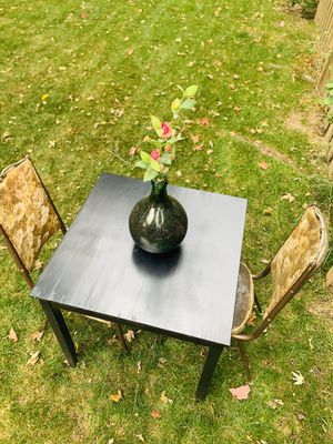 Kitchen table and chairs for Sale in Dearborn, MI