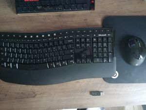 Wireless Microsoft keyboard and mouse for Sale in Fresno, CA