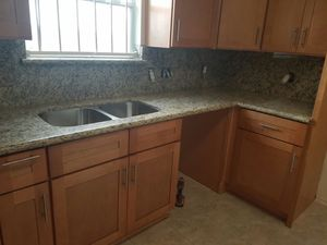 I sell Kitchen cabinets all wood everything is new for Sale in Houston, TX