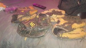 5 baseball gloves for Sale in Dover, FL