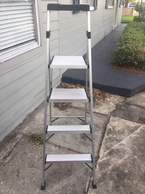 Gorilla gold out ladder for Sale in Tampa, FL
