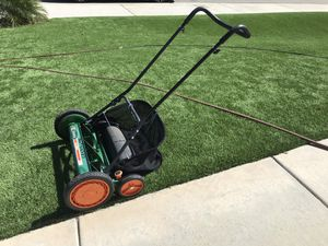 Scott's Classic Push Lawn Mower 20inch for Sale in San Bernardino, CA