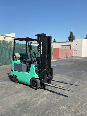 Mitsubishi Forklift 3000 LBS CAP for Sale in Westminster, CA