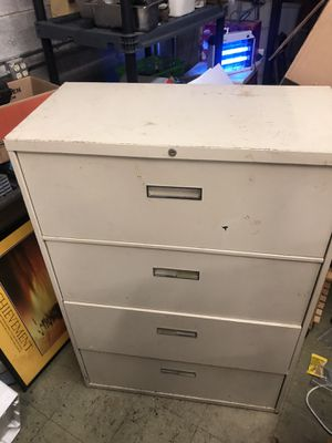 File cabinet 4 doors no key for Sale in Oakbrook Terrace, IL