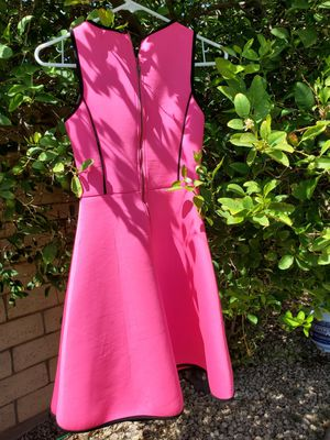 Beautiful hot pink dress! for Sale in Indio, CA