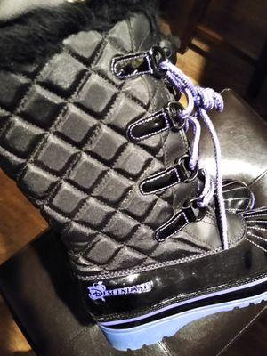 Snow boots size 3 girls for Sale in Williamstown, NJ