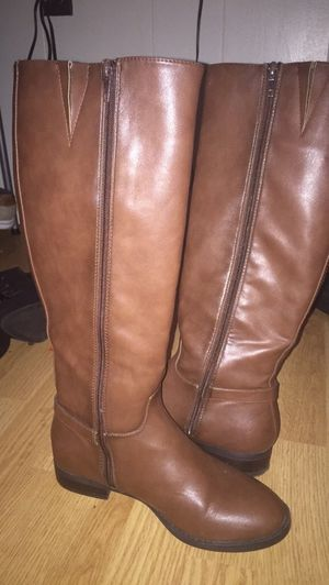 Size 7 express boots for Sale in Farmville, VA