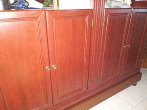 Beautiful Cherry Wood China Cabinet for Sale in Stockton, CA