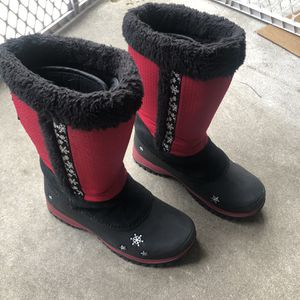 Baffin Snow Boots. Kid Size 6 for Sale in Woodbury Heights, NJ