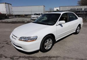 Honda Accord 1998 clean title for Sale in Sanger, CA
