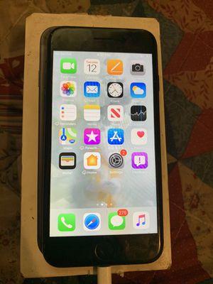 iPhone 7 W/ accessories for Sale in Bridgeport, CT