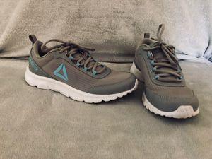 Reebok Sneakers Size 7.5 for Sale in Meriden, CT