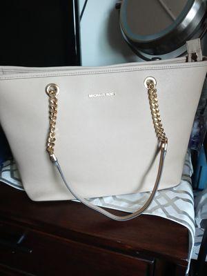 Micahel Kors handbag Nueva no etiquetas for Sale in Baldwin Park, CA