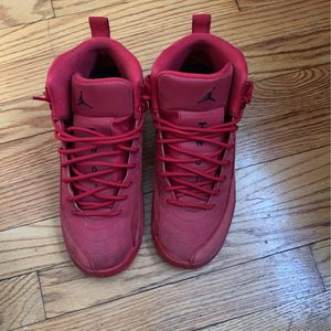 Jordan 12 gym red size 7 youth used for Sale in East Hartford, CT
