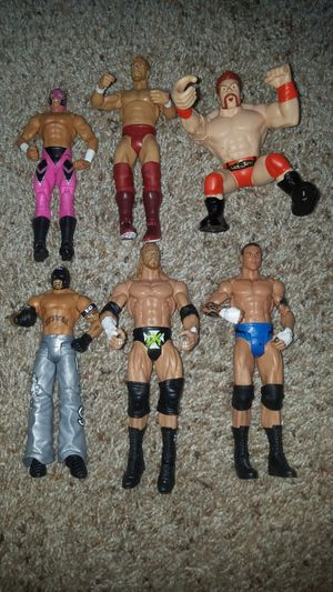 6 wwe wrestlers Daniel Bryan, HHH, Randy Orton, Sheamus and 2 different Rey Mysterio in great condition for Sale in Deerfield Beach, FL
